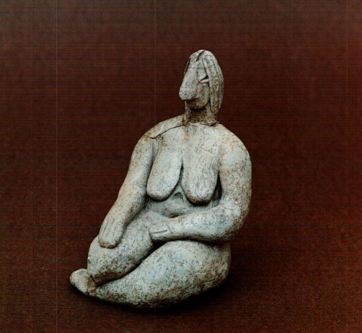 Καθιστή γυναικεία μορφή. Αρχαιότερη Νεολιθική. Ποντοκώμη, Κοζάνης.