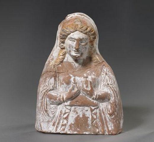 Γυναικεία προτομή. Τέλη 4ου-αρχές 3ου αι. π.Χ. Αρχαιολογικό Μουσείο Θεσσαλονίκης.