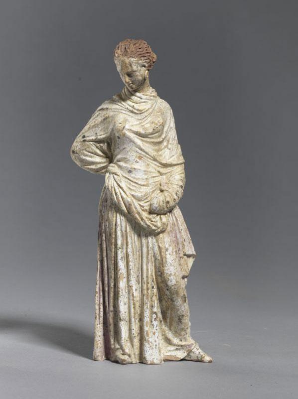 Όρθια γυναικεία μορφή. Αρχές 3ου αι. π.Χ. Λητή (Δερβένι) Θεσσαλονίκης.