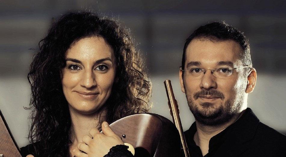 Ο Νίκος Νικόπουλος και η Γωγώ Ξαγαρά (© Ευγενής παραχώρηση: Κρατική Ορχήστρα Αθηνών).