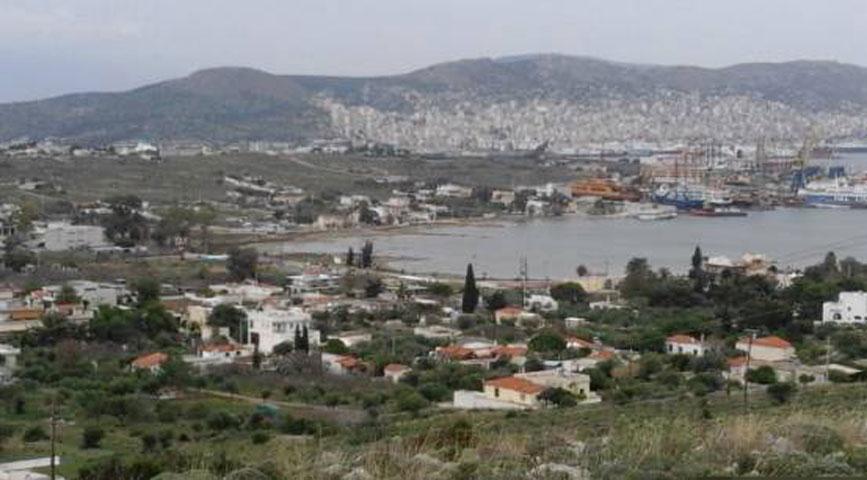 Σαλαμίνα. Άποψη του Όρμου του Αμπελακίου από τα νοτιοδυτικά (φωτ.: Χρ. Μαραμπέα).