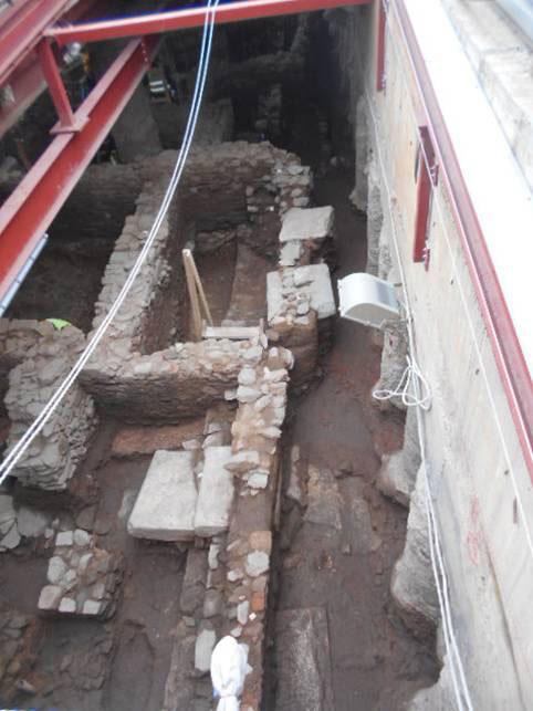 O βόρειος στυλοβάτης του Decumanus Maximus, της κεντρικής ρωμαϊκής λεωφόρου, στη βόρεια είσοδο. Φωτ.: ΑΠΕ-ΜΠΕ.