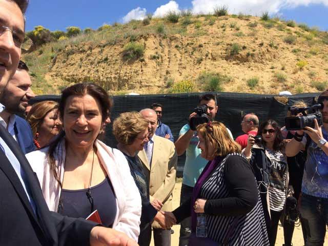 Από την επίσκεψη της Υπουργού Πολιτισμού και Aθλητισμού Λυδίας Κονιόρδου στην Αμφίπολη (φωτ. ΥΠΠΟΑ).