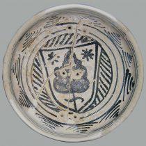 Κούπα με γραπτή διακόσμηση οικοσήμου. Φωτ.: Αρχείο της Εφορείας Αρχαιοτήτων Ηλείας / ΥΠΠΟΑ / ΤΑΠ.