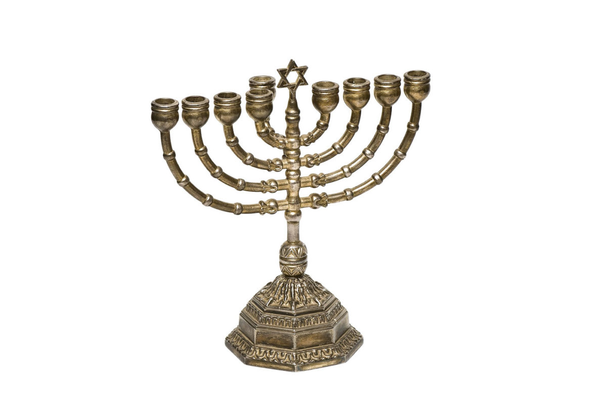 Ασημένια χανουκία από τη συλλογή του Εβραϊκού Μουσείου Ελλάδος.