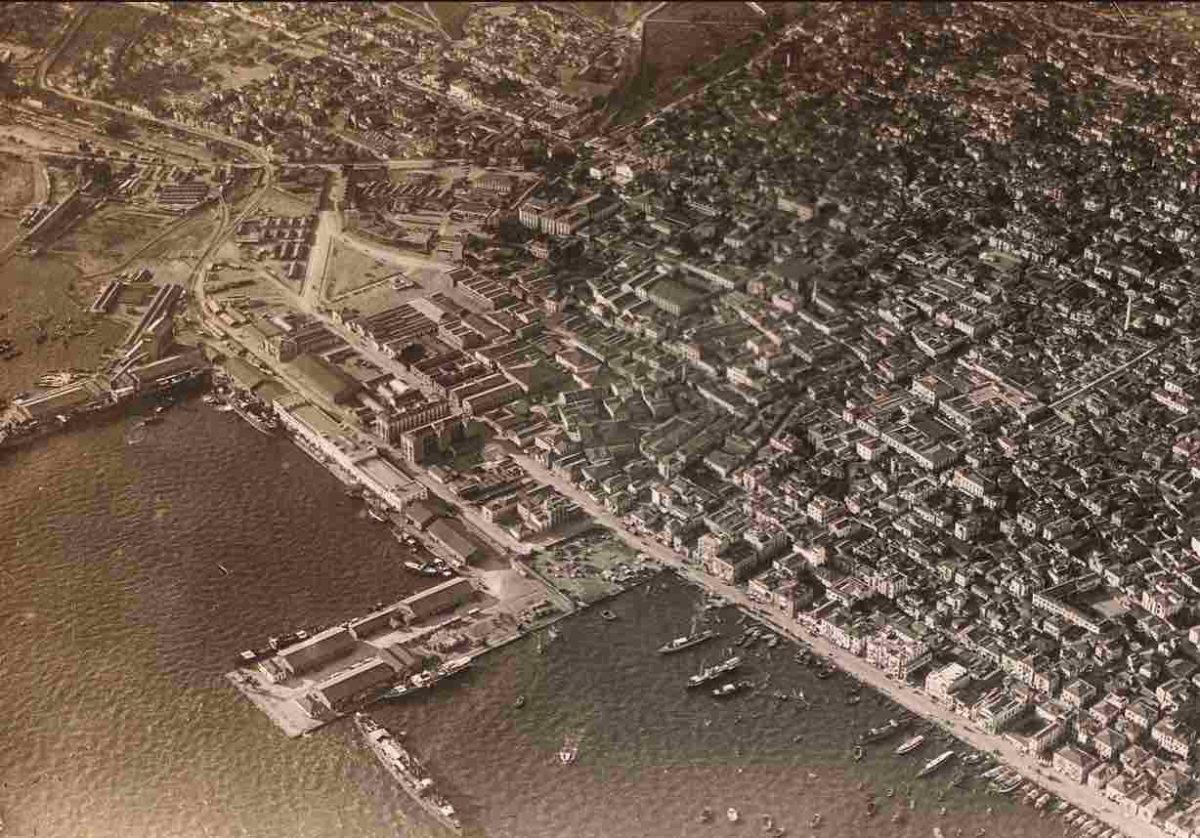 Αεροφωτογραφία της Θεσσαλονίκης από την Τρικόγλεια Βιβλιοθήκη του ΑΠΘ.