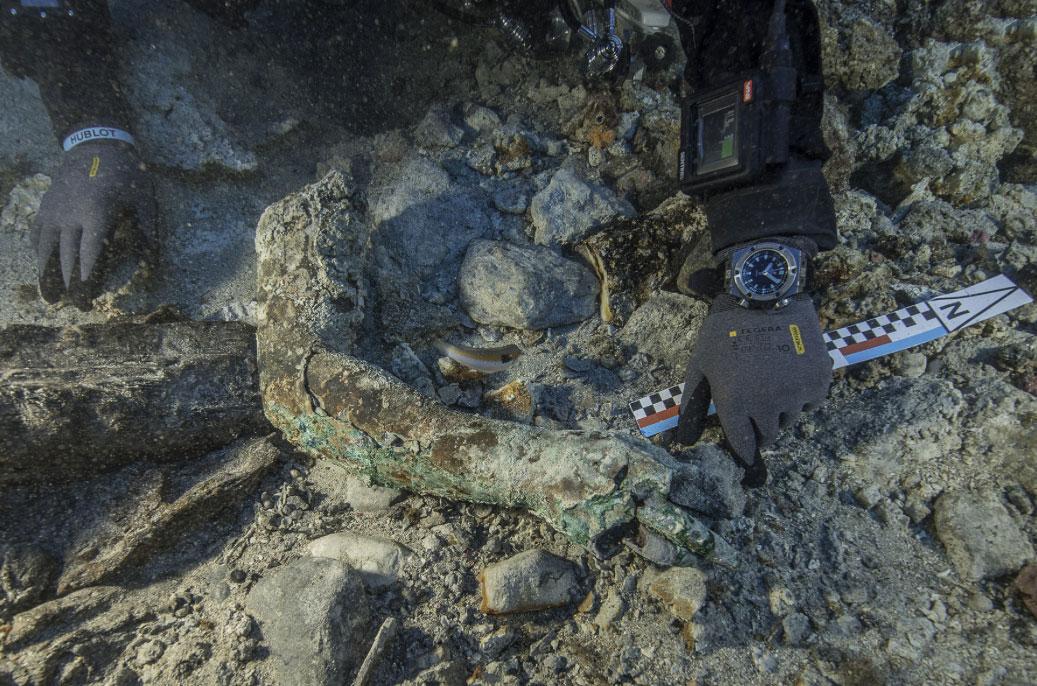 Ευρήματα από την ανασκαφική έρευνα στο Ναυάγιο των Αντικυθήρων (φωτ. ΥΠΠΟΑ).