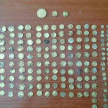 268 χρυσά νομίσματα κατασχέθηκαν σε περιοχή της Κόνιτσας