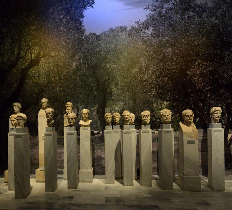 Εικονιστικές προτομές και κεφαλές «Κοσμητών» του 2ου και 3ου αι. μ.Χ. από την Αθήνα (© TAΠΑ/Εθνικό Αρχαιολογικό Μουσείο).