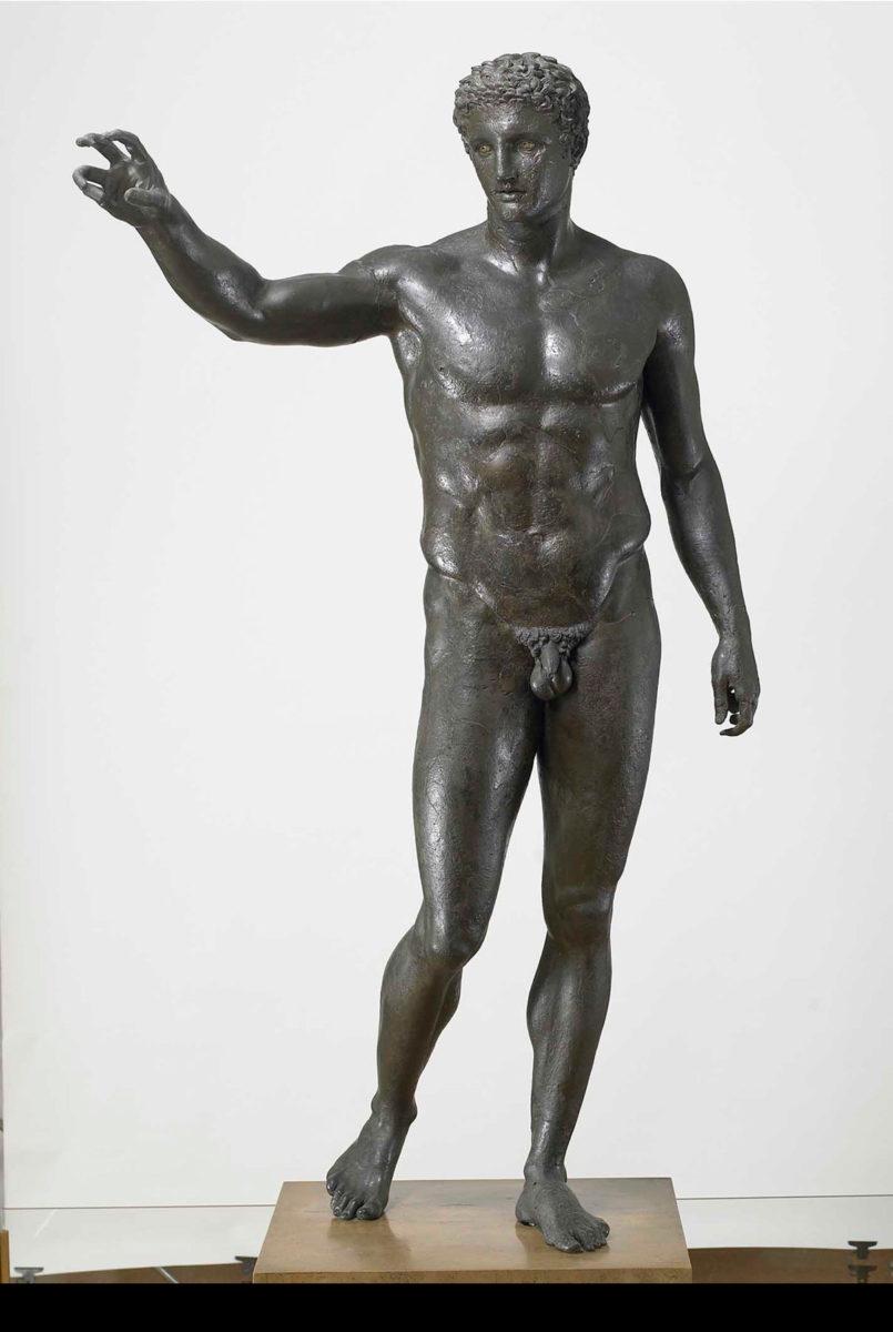 Ο Έφηβος των Αντικυθήρων. Υστεροκλασικό έργο, γύρω στα 340-330 π.Χ. (© Εθνικό Αρχαιολογικό Μουσείο/TAΠΑ).