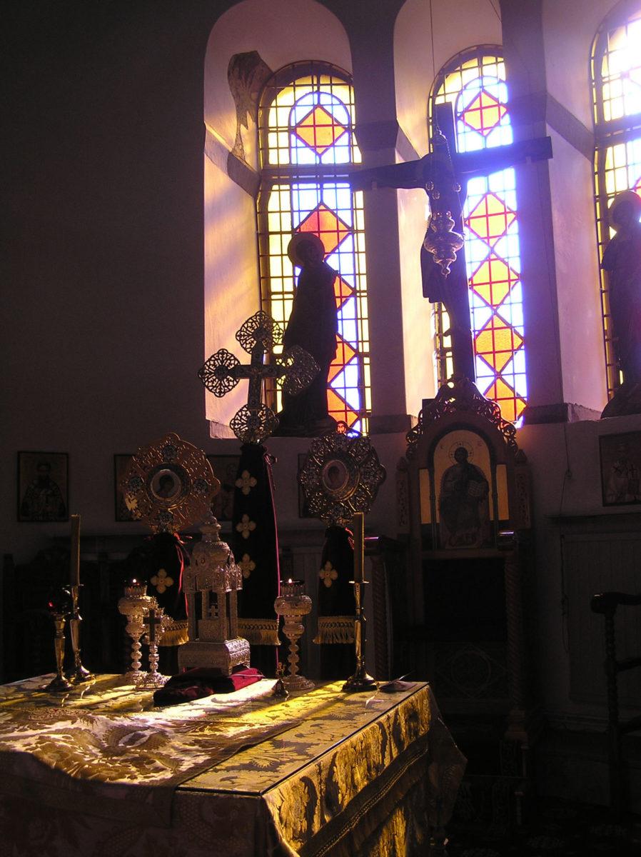 Εικ. 12. Ο φωτισμός του ιερού και της Αγίας Τράπεζας (ώρα 09:55, Οκτώβριος).