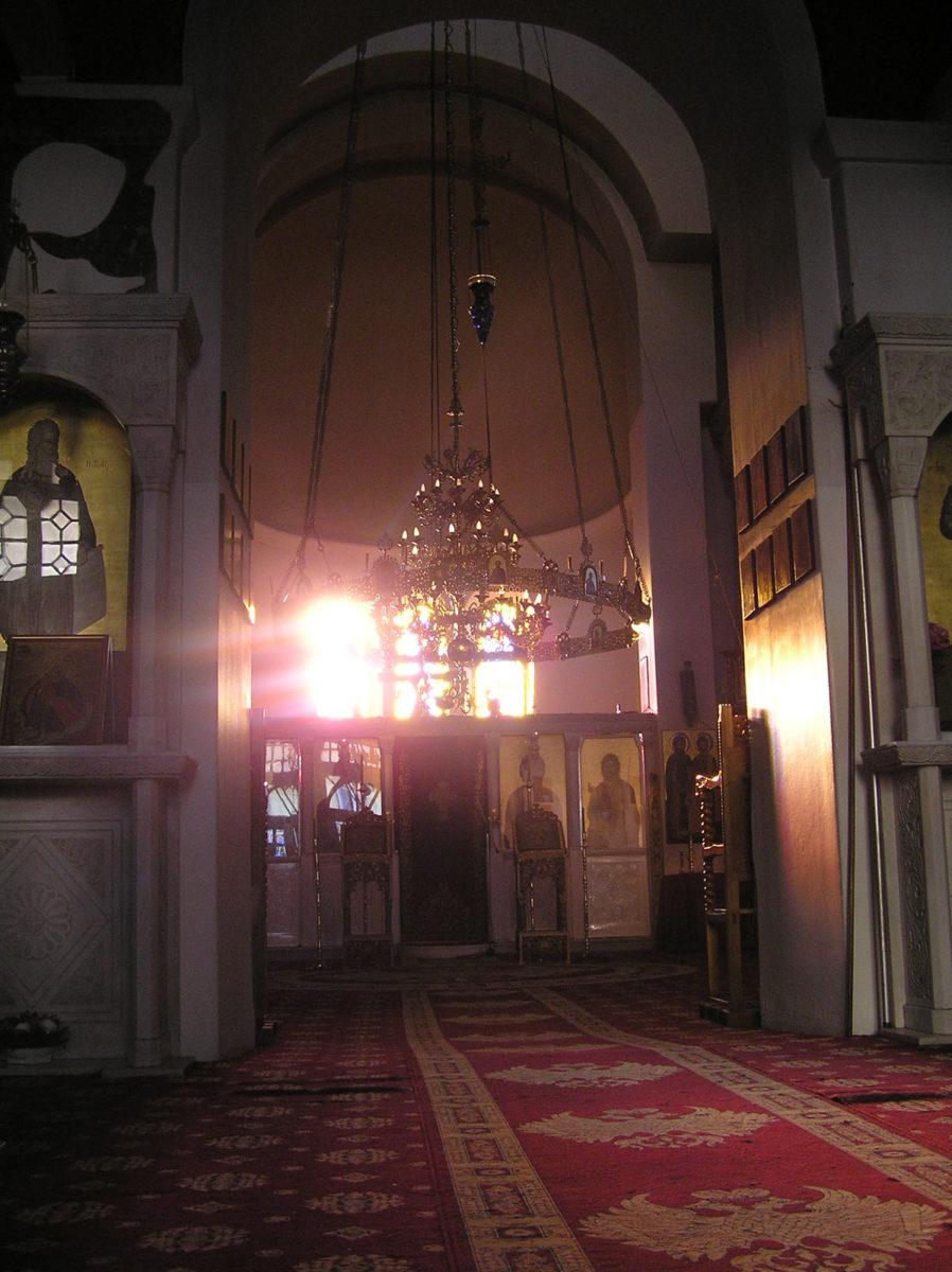 Εικ. 15. Πρωινή δέσμη φωτός από τα παράθυρα του ιερού (ώρα 08:53, Δεκέμβριος).