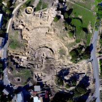 Ανασκαφές γύρω από το αρχαίο θέατρο της Νέας Πάφου