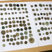 Σύλληψη 63χρονου για κατοχή αρχαίων νομισμάτων και αντικειμένων