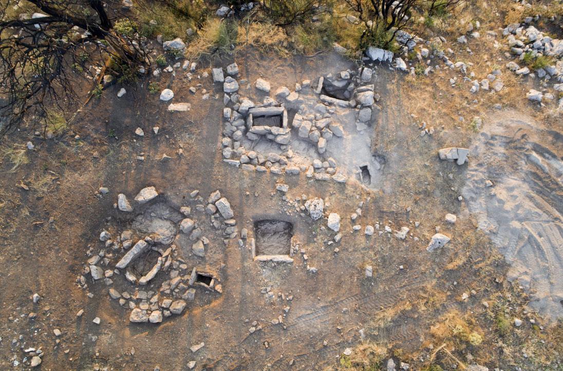Ταφικοί τύμβοι των ύστερων μυκηναϊκών χρόνων (φωτ.: ΥΠΠΟΑ).