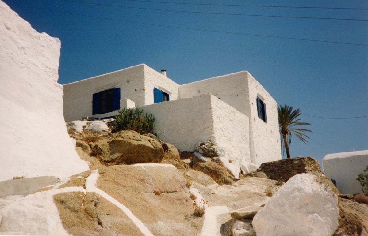 Κατοικία στη Χώρα Ίου, 1975.