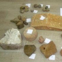 Δύο ταξιδιωτικοί σάκοι με πλήθος αρχαιοτήτων κατασχέθηκαν στην Κορωνησία