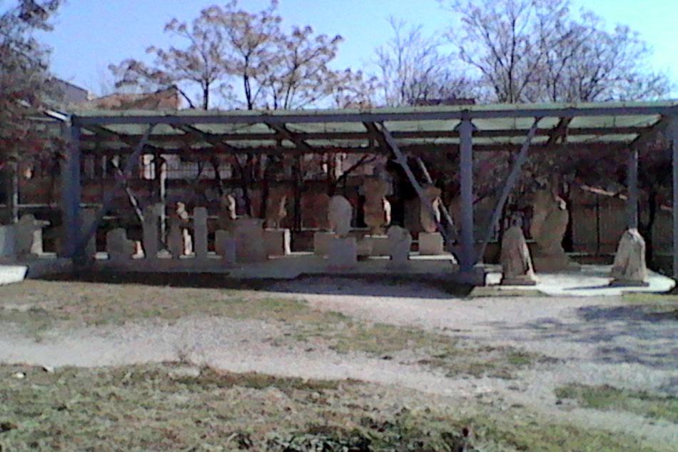 Εικ. 33. Το στέγαστρο των αγαλμάτων που αντικατέστησε το προηγούμενο.