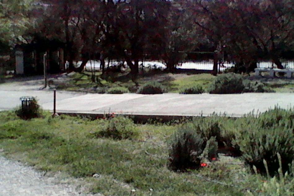 Εικ. 34. Τσιμεντοστρωμένη διαδρομή στον αρχαιολογικό χώρο της Νότιας Κλιτύος.