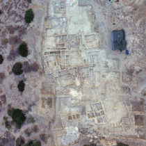«Στον αέρα» η ανασκαφή στο μινωικό νεκροταφείο του Πετρά