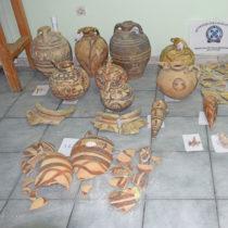 Συλλήψεις για κλοπή-υπεξαίρεση αρχαίων αντικειμένων στη Σαντορίνη