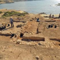 Ερευνώντας την τοπογραφία του αρχαίου λιμανιού στη θέση Ακρωτήρι