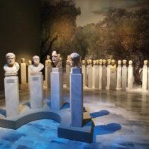 Δύο αρχαίες λύρες σε έναν διάλογο για θεούς και θνητούς