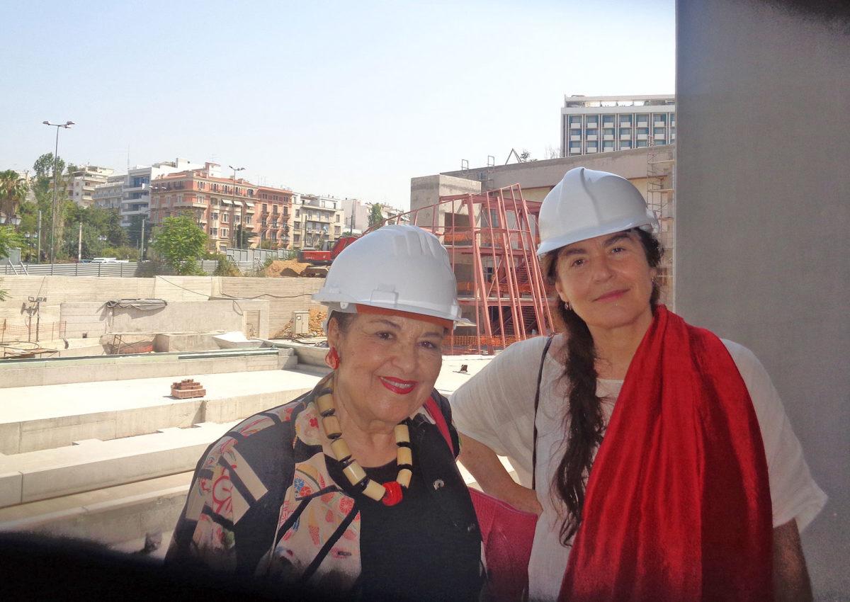 H Υπουργός Πολιτισμού Λυδία Κονιόρδου με τη Διευθύντρια της Εθνικής Πινακοθήκης, Μαρίνα Λαμπράκη-Πλάκα (φωτ.: ΥΠΠΟΑ).