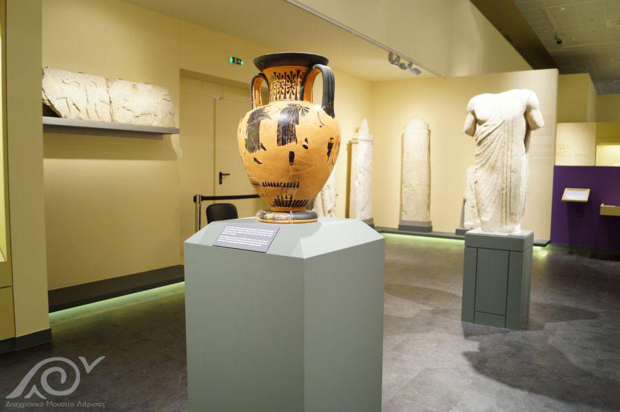 Εκθέματα της Κλασικής περιόδου στο Διαχρονικό Μουσείο Λάρισας (φωτ.: Διαχρονικό Μουσείο Λάρισας).