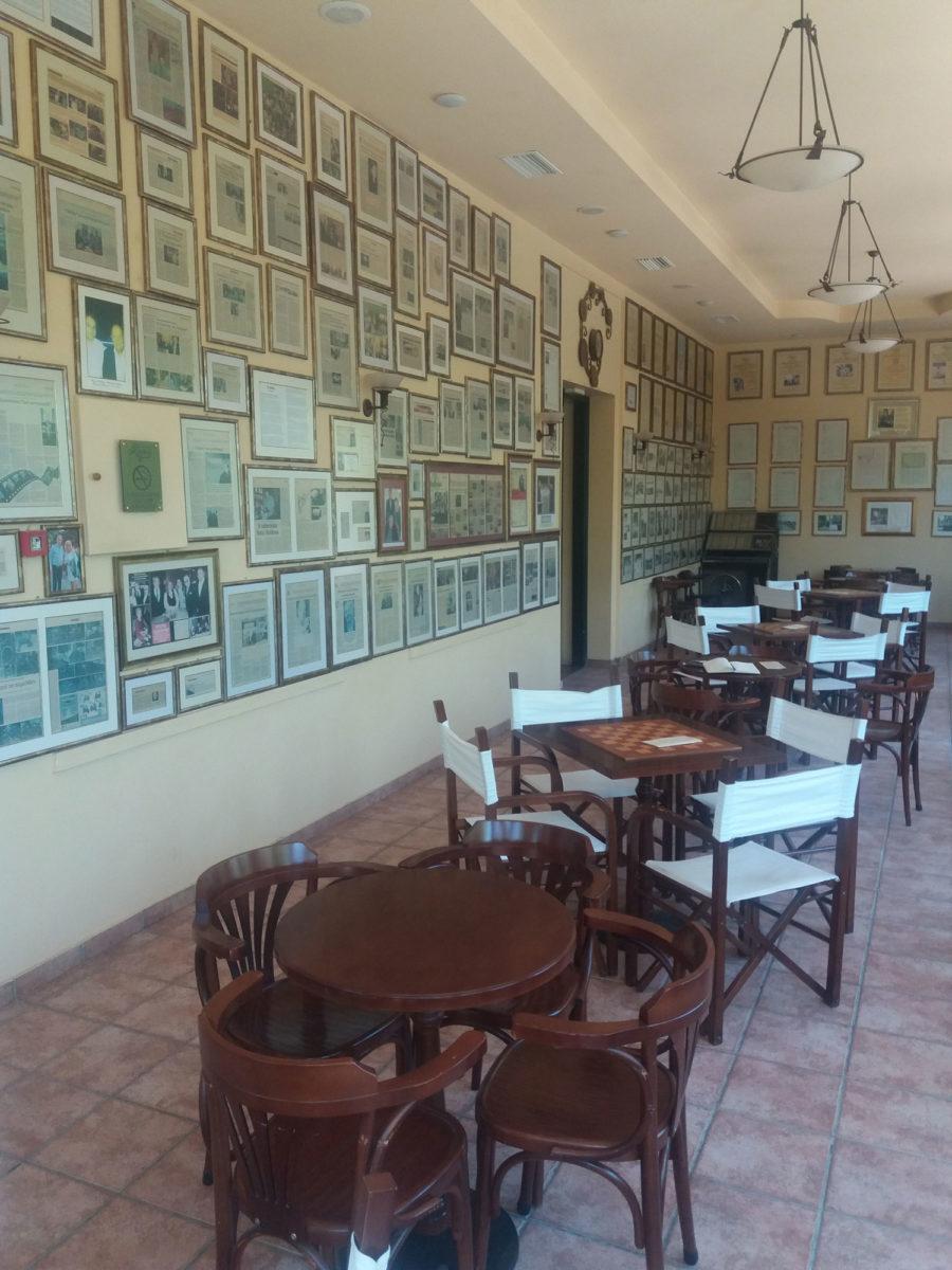 Το Καφέ «Κήπος» βρίσκεται στην καρδιά του δημοτικού κήπου της πόλης των Χανίων (φωτ.: ΑΠΕ-ΜΠΕ/Βασίλης Σταθάκης).