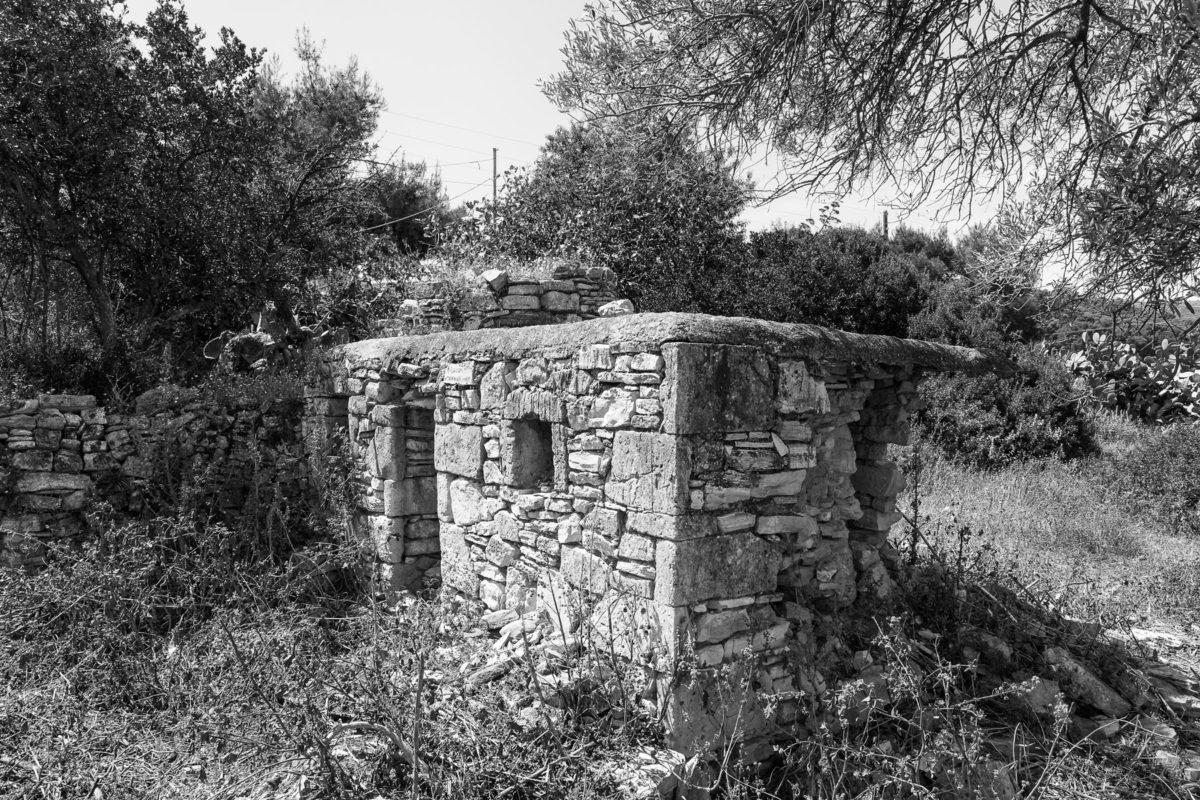 Εικ. 9. Τα απομεινάρια του περιστεριώνα, χωρίς την καμπύλη απόληξη του άνω μέρους, που απεικονίζεται στην εικόνα 8. © Παναγιώτης Ηλίας.