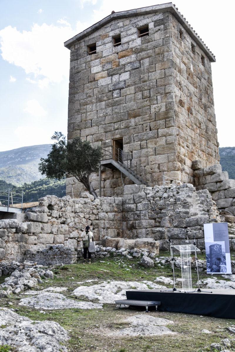 Ο Νοτιοανατολικός Πύργος του φρουρίου των Αιγοσθένων (φωτ.: Εφορεία Αρχαιοτήτων Δυτικής Αττικής).