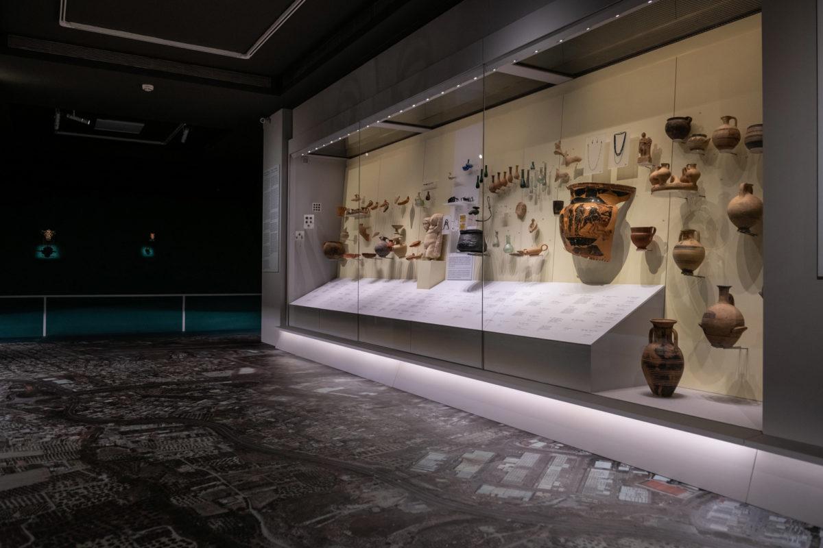 Γενική όψη της έκθεσης. Φωτ.: Γιώργος Αναστασάκης © Μουσείο Κυκλαδικής Τέχνης.