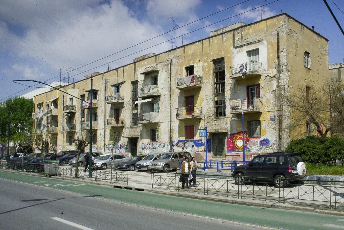 Οι προσφυγικές πολυκατοικίες της λεωφόρου Αλεξάνδρας (φωτ.: Ανάπλαση Αθήνας ΑΕ).