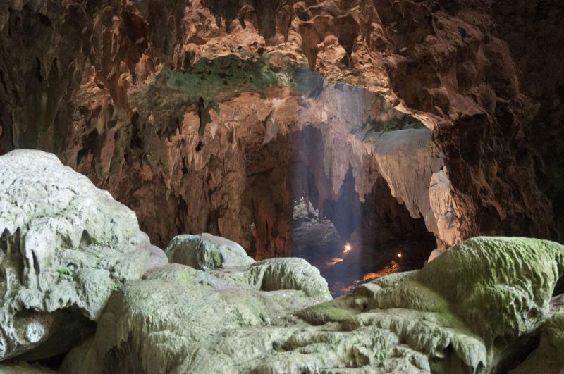 Η είσοδος του σπηλαίου Καλάο, στο βόρειο τμήμα του νησιού Λουζόν (φωτ.: Florent Detroit).