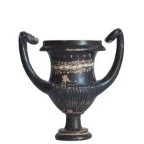 Πήλινος κάνθαρος με την επιγραφή ΥΓΕΙΑΣ, από τάφο του 3ου αι. π.Χ.