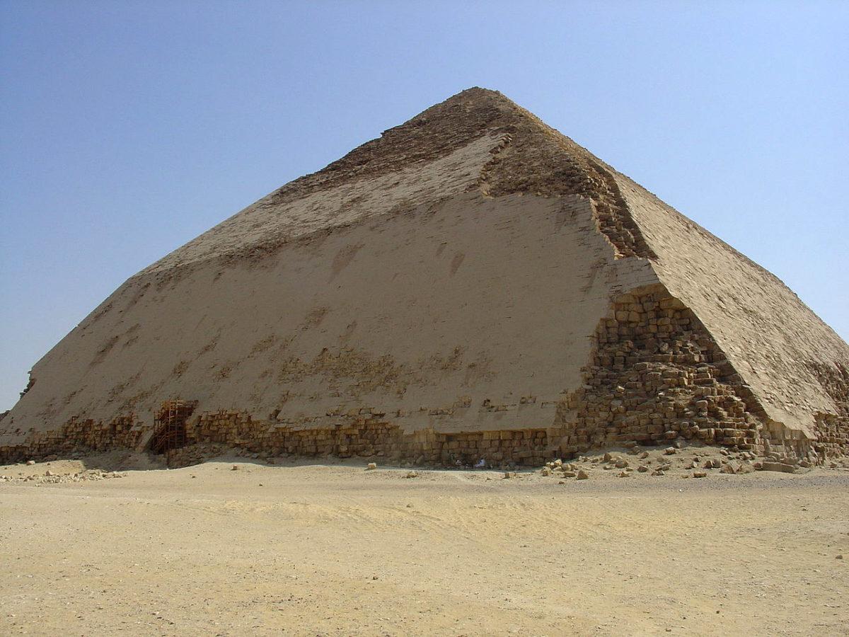 Η πυραμίδα του Σνεφρού (φωτ.: Wikipedia).