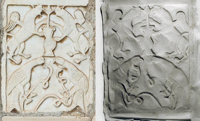 Η αρχιτέκτων και εικαστικός Νόρα Όκκα εκθέτει 33 έργα της: 22 έκτυπα αναγλύφων και 11 έκτυπα επιγραφών από τους λίθους της Μικρής Μητρόπολης που είναι σε επανάχρηση.