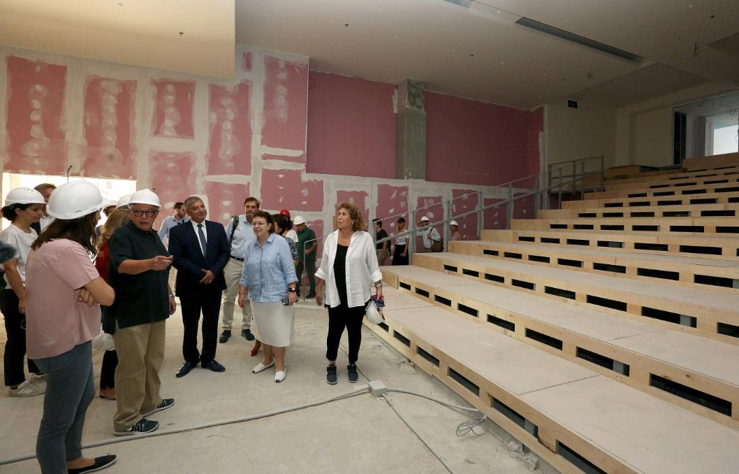 Από την επίσκεψη της Λ. Μενδώνη και του Γ. Πατούλη στην Εθνική Πινακοθήκη (φωτ.: ΥΠΠΟΑ).