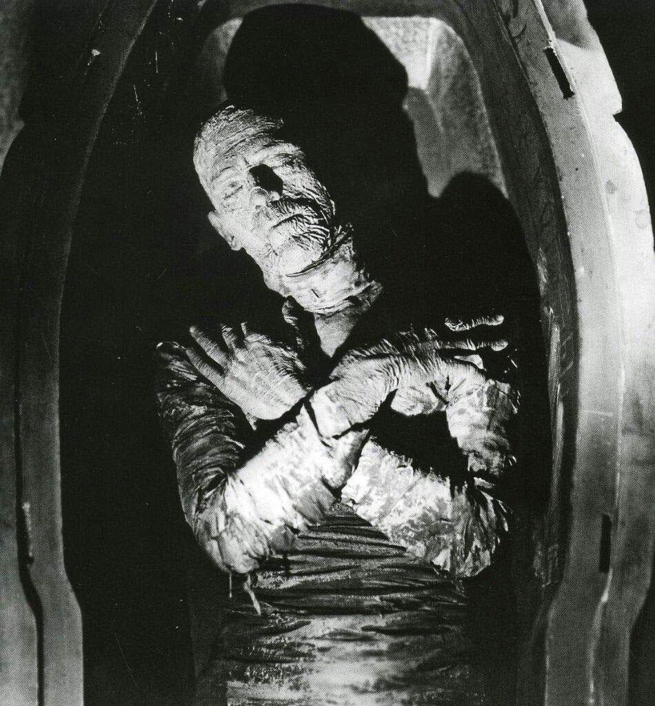 Η ανακάλυψη του τάφου του Τουταγχαμών ενέπνευσε τους δημιουργούς της ταινίας The Mummy (1932).