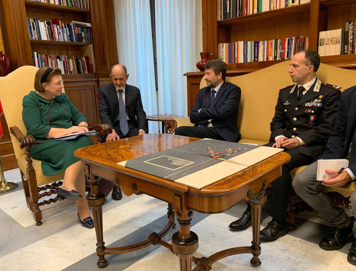 Ανάμεσα στα θέματα που συζητήθηκαν ήταν και το θεσμικό πλαίσιο, με το οποίο η Ιταλία αντιμετωπίζει τα ζητήματα της αρχαιοκαπηλίας, με εξαιρετικά καλά αποτελέσματα (φωτ.: ΥΠΠΟΑ).