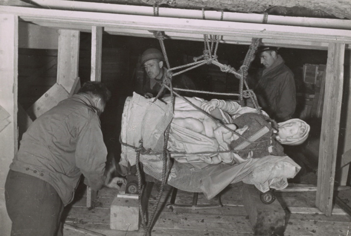 Την περίοδο 1943-1951 ο αμερικανικός στρατός είχε συστήσει μια ομάδα ειδικών για τη διάσωση των έργων τέχνης που είχαν λεηλατήσει από τις κατεχόμενες χώρες οι Ναζί (φωτ.: Smithsonian).