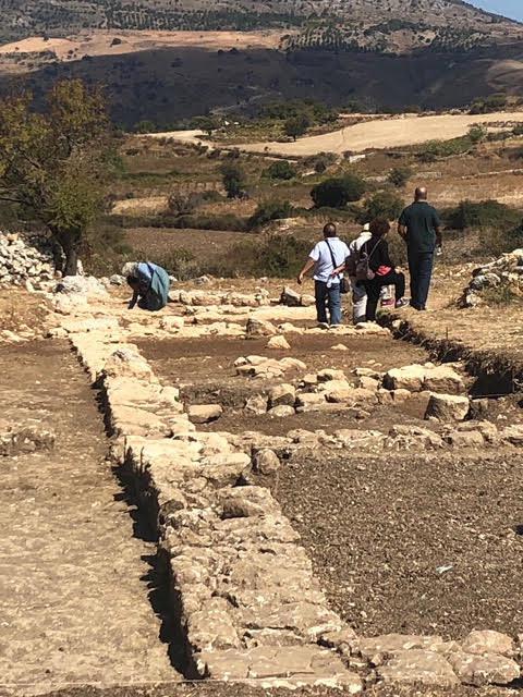 Στον αρχαιολογικό χώρο της Ονιθές Γουλεδιανών.
