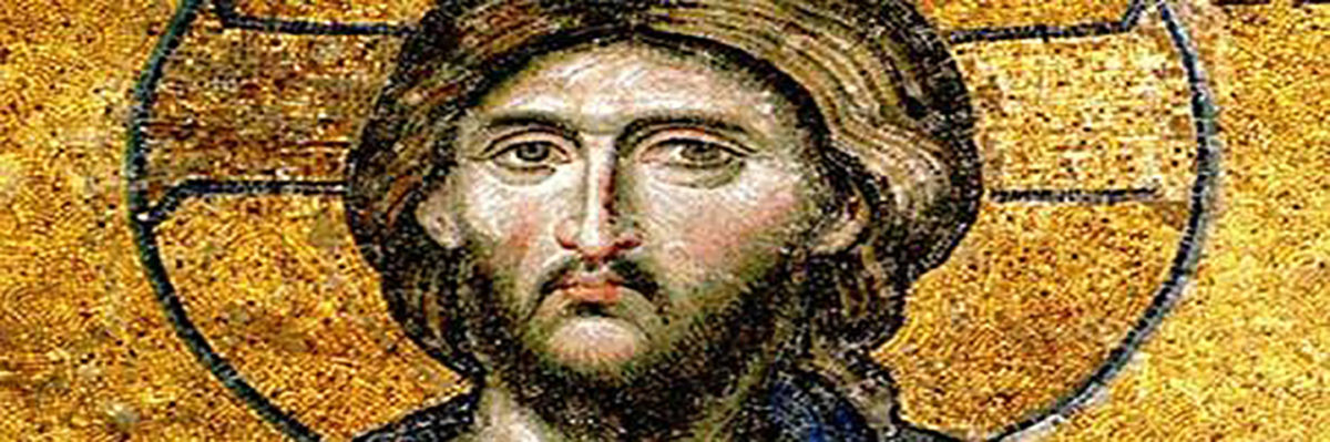 Εικ. 8. Χριστός Παντοκράτωρ από τη μεγάλη ψηφιδωτή σύνθεση της Δέησης (13ος αι.), στην Αγία Σοφία Κωνσταντινούπολης. Παρουσιάζεται με τον αριστερό του οφθαλμό μεγαλύτερο, διαφορετικού σχήματος από τον δεξιό και με διαφορετική κατεύθυνση βλέμματος. Εικονίζεται η ανθρώπινη και η θεϊκή φύση του Χριστού.