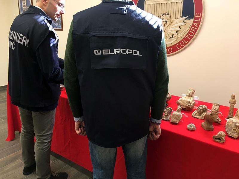 Στην επιχείρηση συμμετείχαν 350 αστυνομικοί σε όλη την Ευρώπη (φωτ.: Europol).