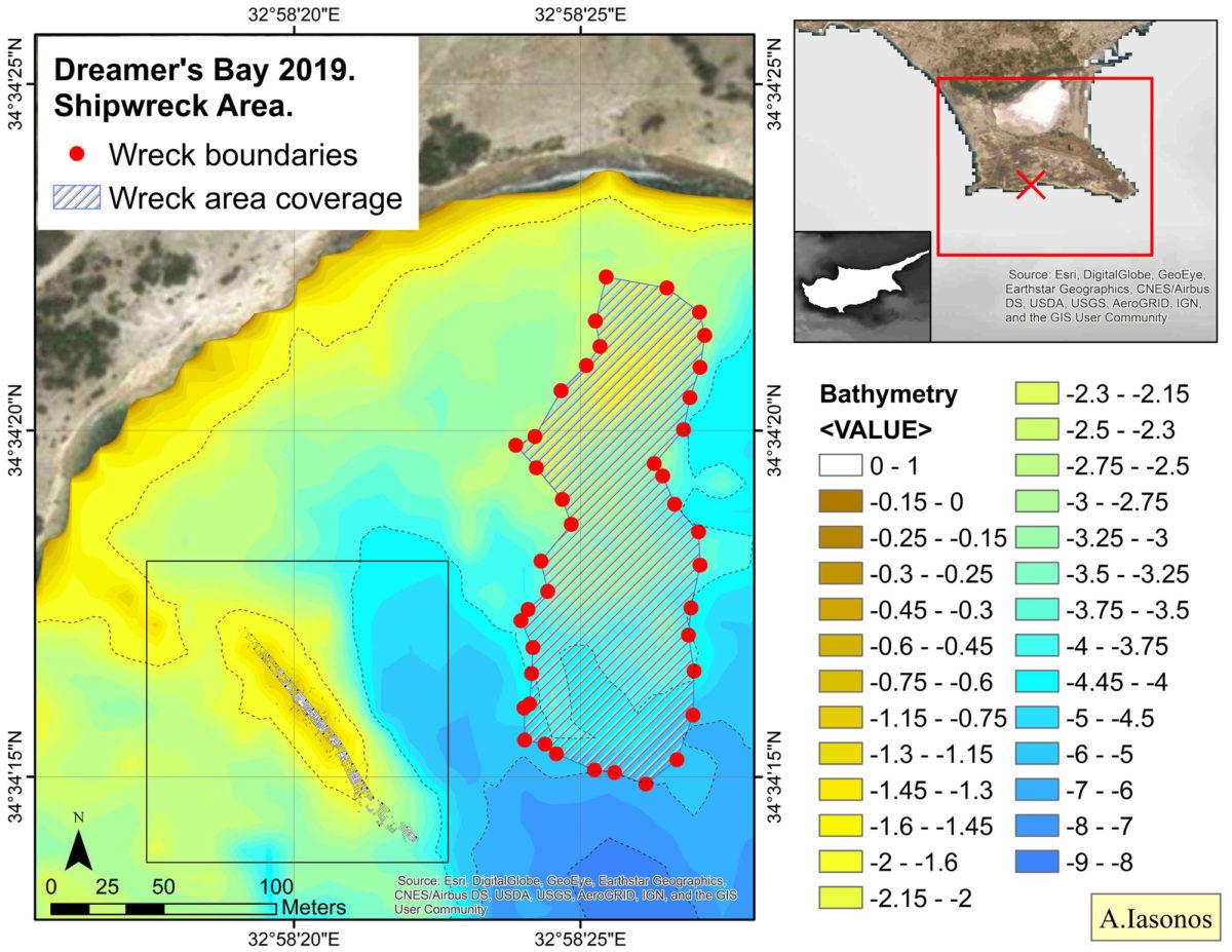 Χαρτογράφηση του κυματοθραύστη, του προστατευμένου καναλιού στο υπήνεμό του τμήμα και της περιοχής με τους υπερυψωμένους βράχους στα ανατολικά που ταυτίζονται με το σύνορο του ναυαγίου (φωτ.: Τμήμα Αρχαιοτήτων Κύπρου).