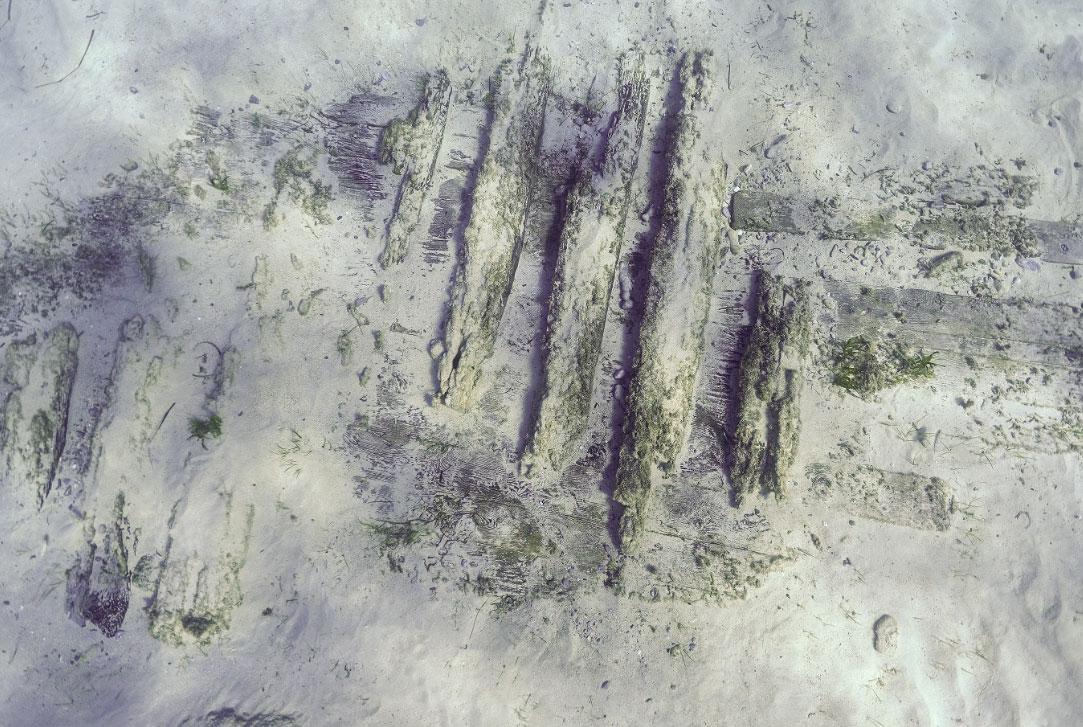 Νομείς και πέτσωμα ναυαγίου των χρόνων της Ελληνικής Επανάστασης (φωτ.: F. Kvalo).