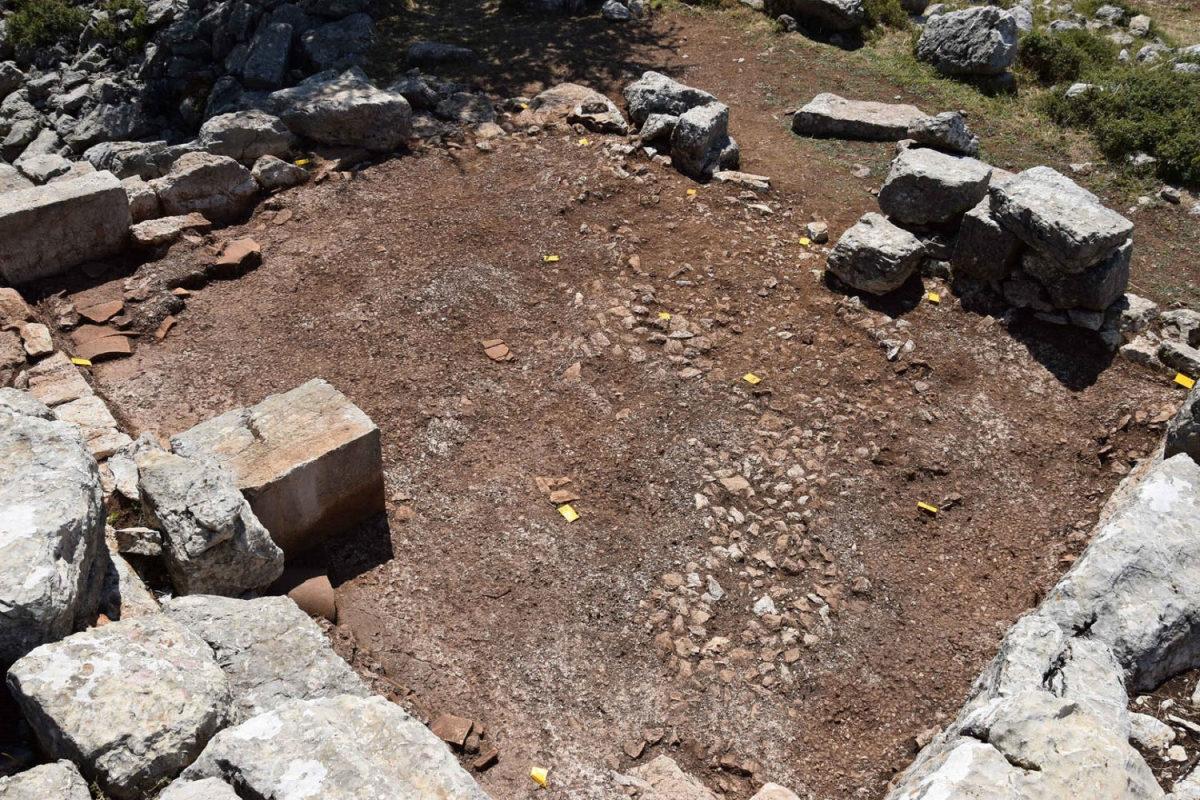 Άποψη της ανασκαφής (φωτ.: Εφορεία Αρχαιοτήτων Αρκαδίας, Mount lykaion excavation and survey project).