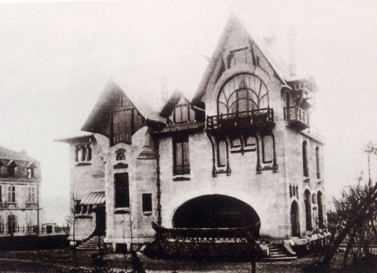 Η βόρεια πρόσοψη της βίλας Μαζορέλ το 1904 (φωτ.: Wikipedia).
