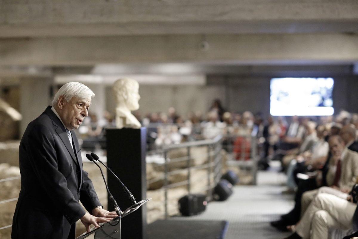 Ο Προκόπης Παυλόπουλος επανέλαβε ότι ο Παρθενώνας κατέχει κορυφαία θέση μεταξύ των μνημείων της ελληνικής αρχαιότητας, που συνθέτουν τον πυρήνα της όλης πολιτιστικής μας κληρονομιάς (φωτ.: Προεδρία της Ελληνικής Δημοκρατίας).